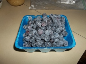 Blueberries for cinnamon buns