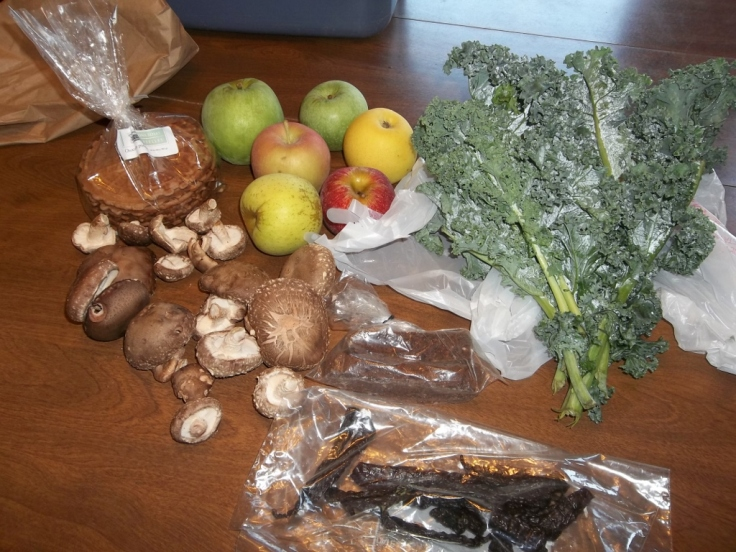 Shiitake mushrooms, apples, kale...